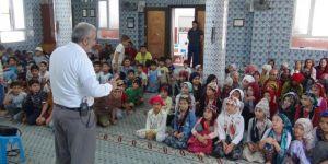"""Kur'an bülbüllerine """"Mahremiyet Bilinci ve Çevre Ahlakı"""" semineri verildi"""