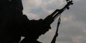 Derecik'te bir PKK'li teslim oldu