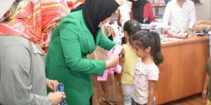 Bağlar Belediyesinden ihtiyaç sahibi ailelere kıyafet yardımı