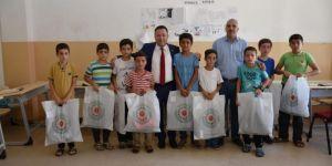 Bağlar Belediyesi hafız adaylarına bayram hediyesi dağıttı