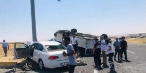 Diyarbakır-Silvan Karayolu'nda otomobil ile minibüs çarpıştı: 5 yaralı