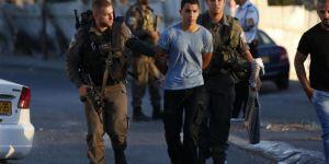 İşgalciler Batı Yaka ve Kudüs'te 17 Filistinliyi alıkoydu