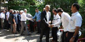 Hilvan Belediye Başkanı Bayık vatandaşlarla bayramlaştı