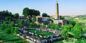 Evîndarên Pêxember ji bo pîrozbahîya îdê li Diyarbekirê hatin ba hev