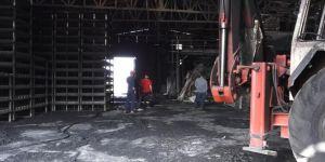 Diyarbakır'da çıkan yangın fabrikayı kullanılamaz hale getirdi