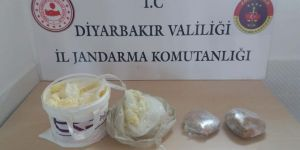 Diyarbakır'da tereyağı kovasından esrar çıktı