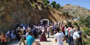 Sason'da kamyonet şarampole yuvarlandı: 2 ölü 3 yaralı