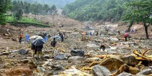 Hindistan'da sel felaketi: 350 ölü