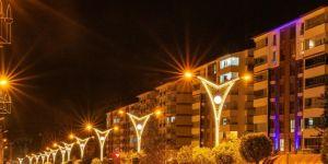 Bitlis'te caddelere modern aydınlatma sistemi kuruldu