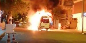 PKK'liler Diyarbakır Huzurevleri'nde şehir içi minibüsü yaktı