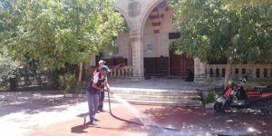Viranşehir'deki camilerde temizlik yapılıyor