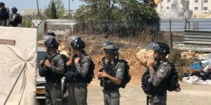 Kudüs'te bir Filistinli daha evini kendi eliyle yıkmaya zorlandı