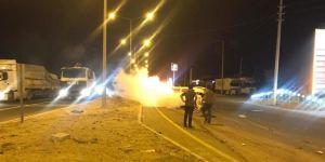 Nusaybin'de yanan otomobile TOMA müdahale etti