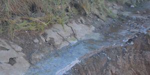 Kozluk'ta çöken sulama kanalı çiftçileri mağdur etti