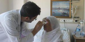 Bismil Devlet Hastanesinde katarakt ameliyatıyla görmeye başladılar