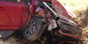 Gercüş'te kontrolden çıkan araç şarampole girdi: 1 ölü 4 yaralı