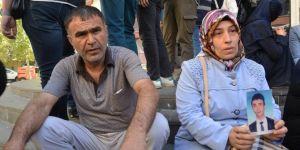 Diyarbakır'da 1 aile daha eyleme katılarak çocuğunu istedi