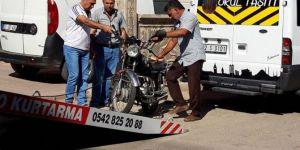 Adıyaman'da motosiklet ile minibüs çarpıştı: 1 yaralı
