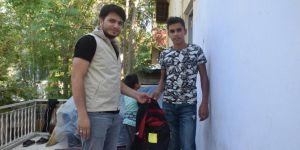 Umut Kervanı'ndan öğrencilere kırtasiye yardımı