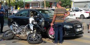 Batman'da motosikletli polis kaza geçirdi: 1 yaralı