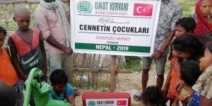 Miniklerin katkılarıyla Nepal'de su kuyusu açıldı