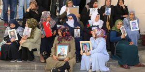 Diyarbakır'da evlat nöbetinde umutlu bekleyiş sürüyor