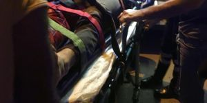 Motosiklet yayalara çarptı: 4 yaralı
