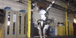 Jimnastik hareketler yapabilen robot üretildi