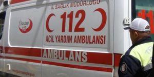 Kayseri'de traktör ile minibüs çarpıştı: 2 ölü 8 yaralı