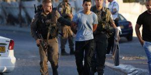 İşgalcilerin baskınlarında 13 Filistinli alıkonuldu