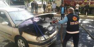 Tatvan'da seyir halindeyken alev alan araç korkulu dakikalar yaşattı