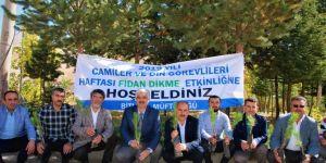 Bitlis Müftülüğü fidanları çorak toprak ile buluşturdu