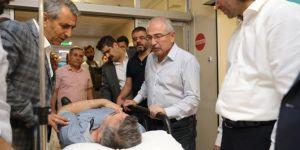 Mardin Valisi Nusaybin'deki yaralıları ziyaret etti