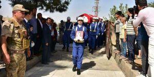 PKK/YPG'nin attığı mühimmatla hayatını kaybedenler defnedildi