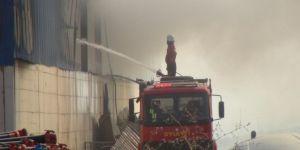 Çınar'da pamuk depolarında yangın