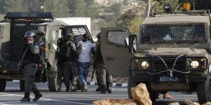 Palestinians kidnapped, homes searched by zionist occupation gangs