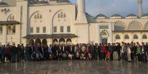 HÜDA PAR İstanbul Gençlik Kolları sabah namazında buluştu