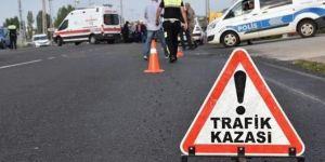 Servis minibüsü devrildi: 15 yaralı