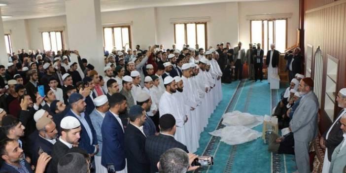 Kızıltepe'de medrese eğitimlerini tamamlayan talebeler icazet aldı