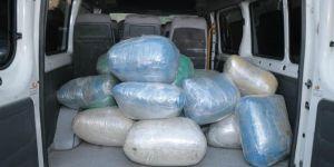 Öğrenci servisinde 176 kilo esrar ele geçirildi