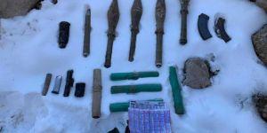 Gürpınar'da PKK'ye ait 5 roketatar mühimmatı ele geçirildi