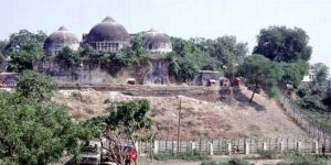 Babri Camisi anlaşmazlığında Hindular lehine karar verildi