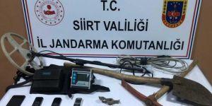 Kurtalan'da kaçak kazı yapan 5 kişi gözaltına alındı