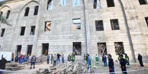Gaziantep'te göçük altındaki mühendisi arama çalışmalarında 24 saat geride kaldı