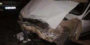 Nizip'te iki otomobil çarpıştı: 10 yaralı
