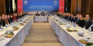 Diyarbakır Valisi Güzeloğlu iş insanlarıyla kahvaltıda buluştu