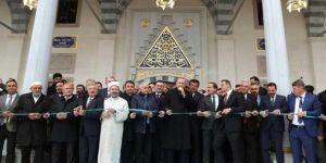 Erdoğan inaugurates mosque in Izmir