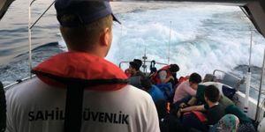 Ayvacık'ta 146 düzensiz göçmen yakalandı