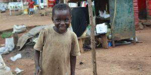 Avrupa Yetim Eli Uganda'da yardımlarıyla yüzleri güldürecek