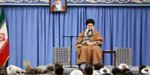 Khamenei lauds the Iranian nation's victory in thwarting a plot